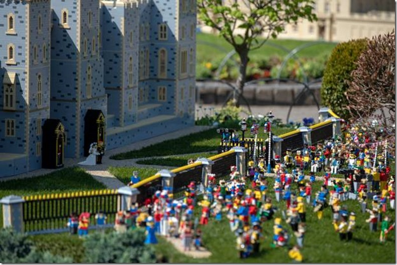 royal-wedding-legoland-3